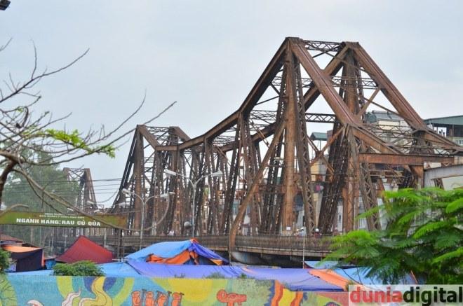 Jembatan Long Bien