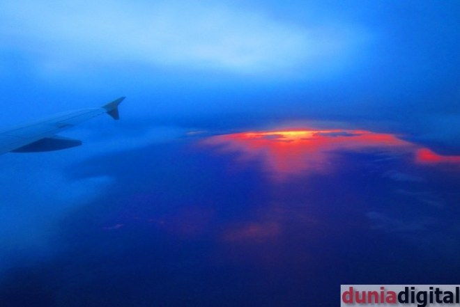 Sunset dari pesawat